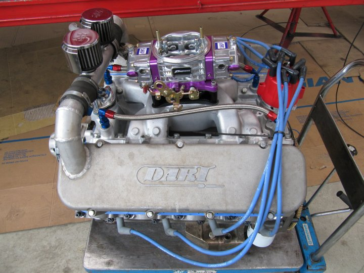 Garage neet v8 motoren motor 4 for Garage neet
